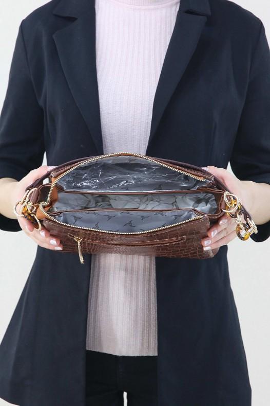 Taba Kadın Zincir Detaylı Çapraz Askılı Omuz Çantası Çok Gözlü Bölmeli Fermuarlı İçi Astarlı 5225